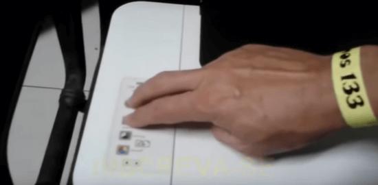 1. Impressora HP frontal, reinicie a impressora.