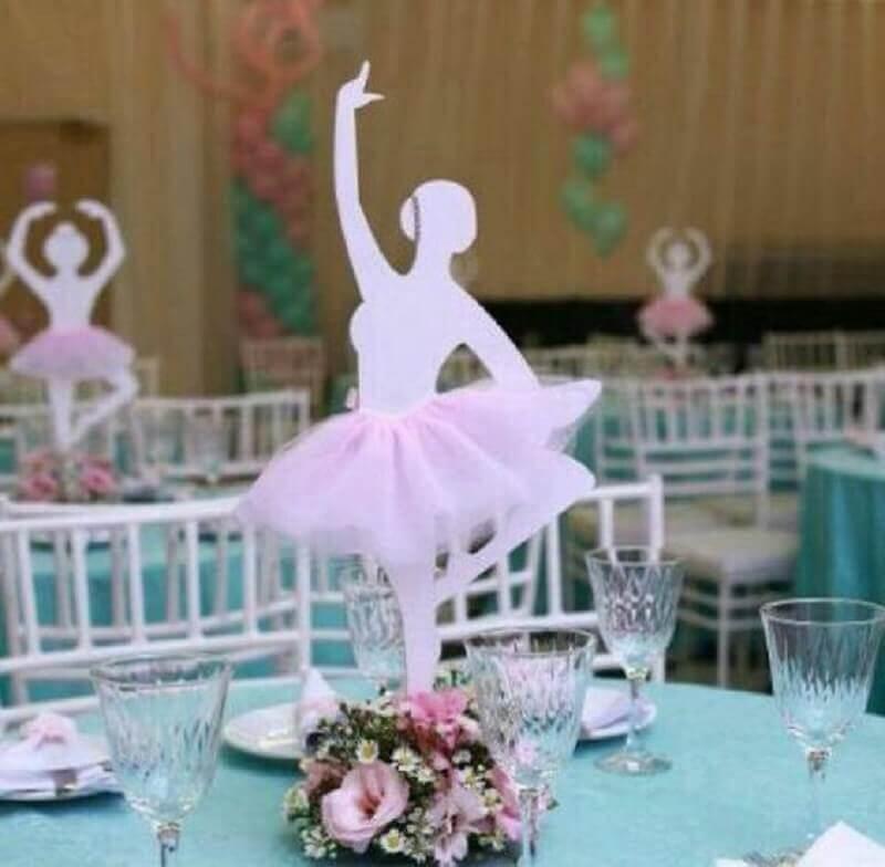 8) Bailarina para enfeite de mesa.