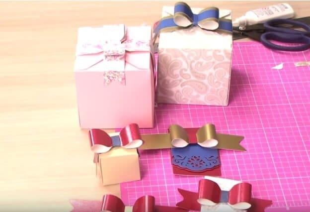 7) Laço de papel para presentes.